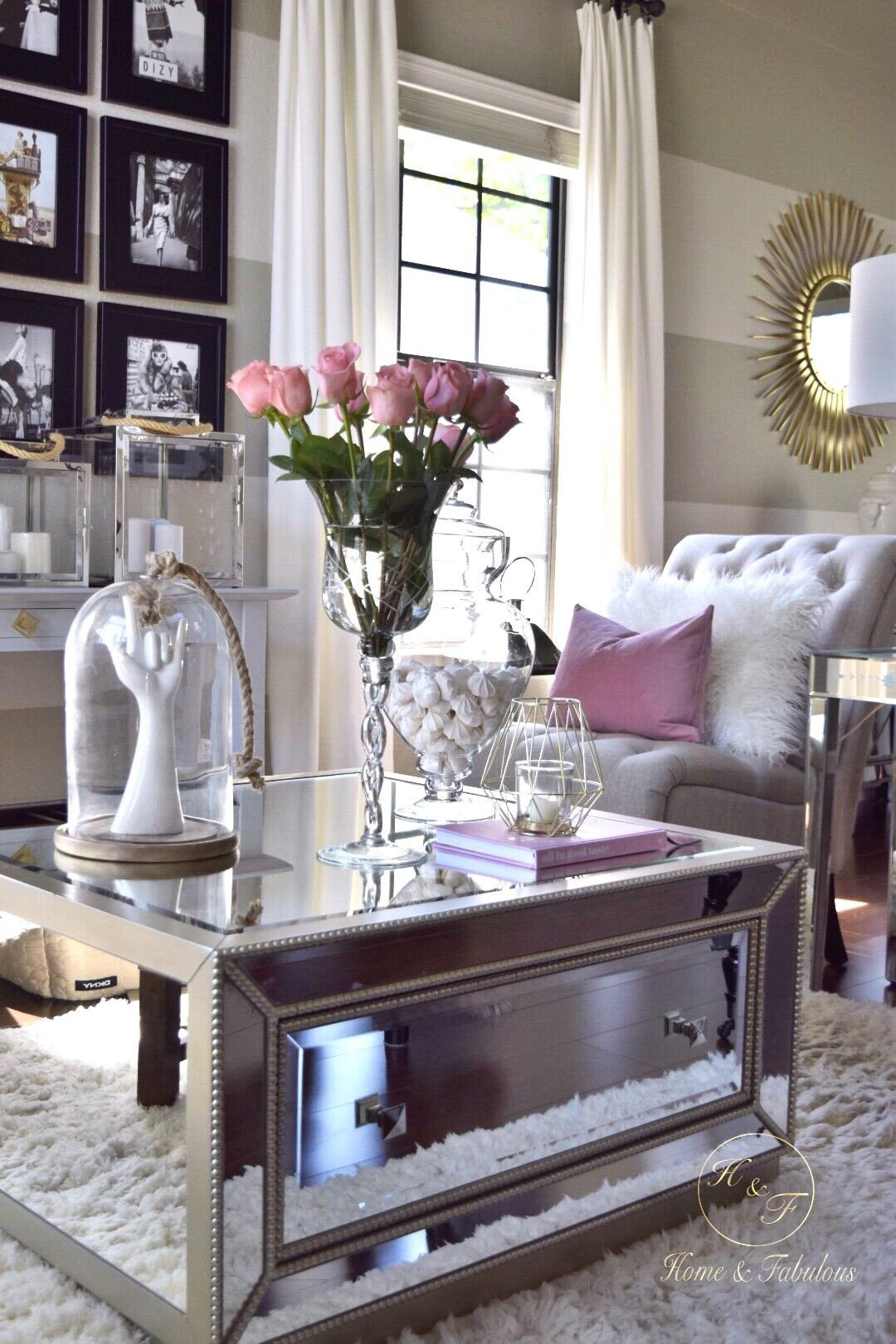 Living Room Coffee Table Decor Lovely It S Amazing that I Can Find A Beautiful Coffee Table Like