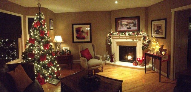 christmas decorating 2012 Traditional Living Room