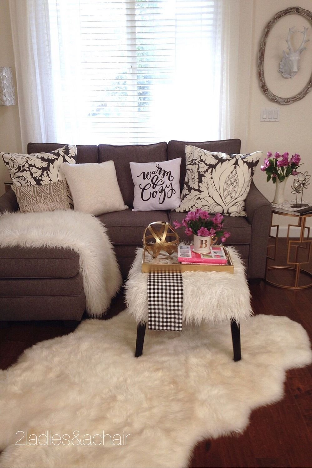Small Apartment Living Room Decor Beautiful Feb 25 Using the Basics Layers and Textures